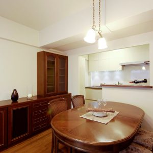クラシカルな家具に調和した空間