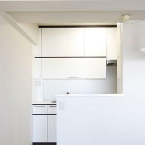 マンションリフォーム:キッチンまで自然光が届く明るい住空間