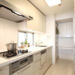 清潔感のある明るいキッチン