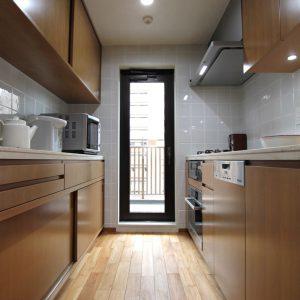突板のキッチン