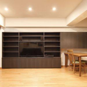 マンションリフォーム:ディスプレイの充実した壁面収納~好きなものに囲まれて暮らす~
